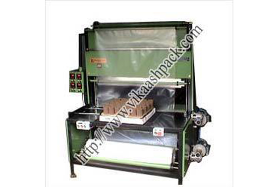 4 Side sealer and shrink wrapping machine